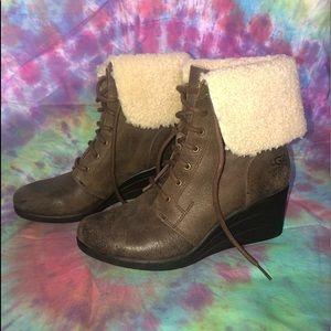 UGG Boots w Heel